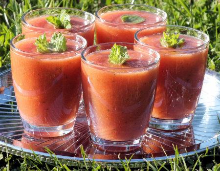 Arbuzowo-brzoskwiniowe smoothie z nutką mięty