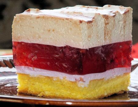 Ciasto z malinami i pianką cappuccino