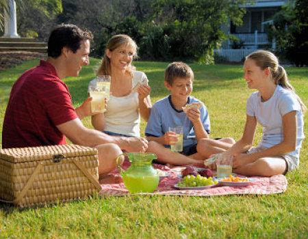 Co zabrać na piknik pod chmurką?