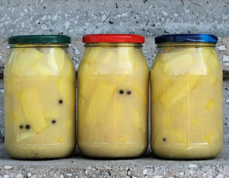 Cukinia lub kabaczek w zalewie musztardowej