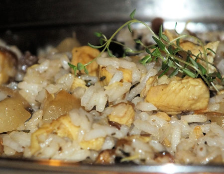 Danie ryżowe z kurczakiem, pieczarkami i ananasem