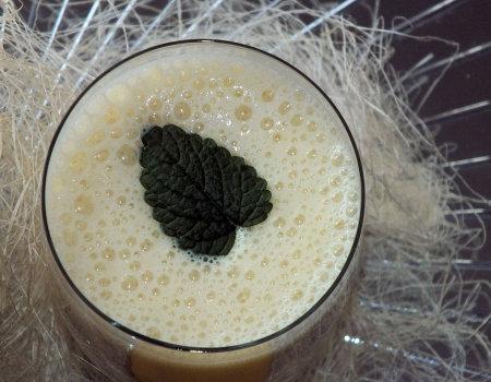 Dietetyczny ananasowy koktajl