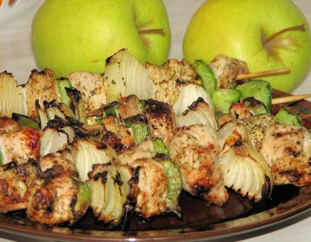 Indycze szaszłyki z papryką i cebulą