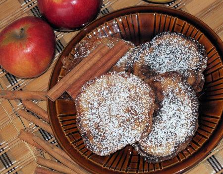 Jabłkowo-cynamonowe racuchy