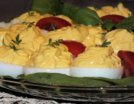 Jajka faszerowane serem Feta