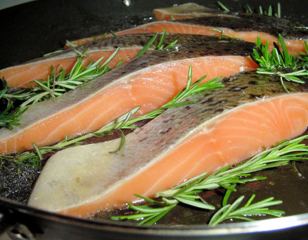 Jak grilluje się filety ryby?