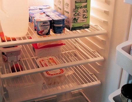 Jak usunąć nieprzyjemny zapach w lodówce?