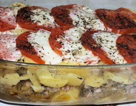 Jesienna zapiekanka z mielonym mięsem i mozzarellą