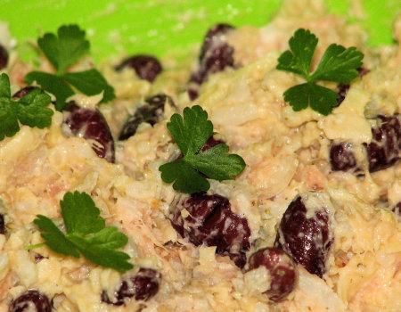 Łososiowa sałatka z dodatkiem ryżu