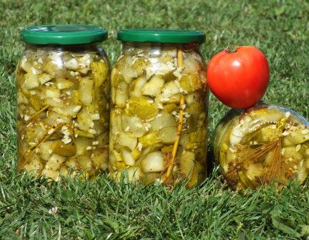Ogórki z ziołami prowansalskimi