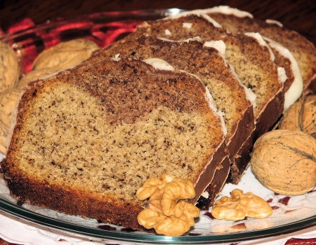 Orzechowa babka z dodatkiem kakao
