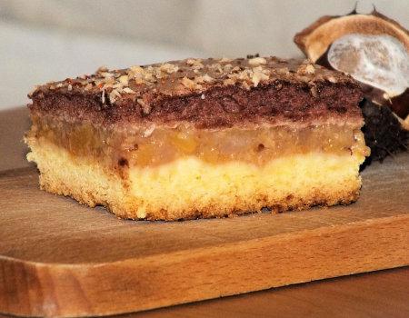 Owocowe ciasto na kruchym cieście z czekoladową pianką