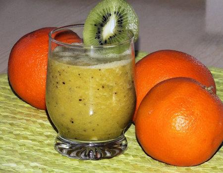 Pomarańczowe smoothie z kiwi