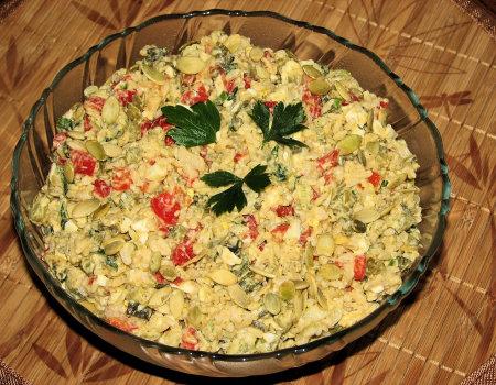 Ryżowa sałatka z pestkami dyni