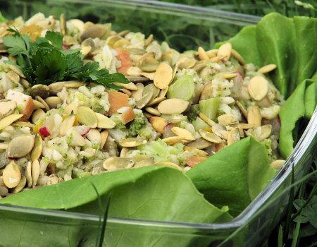 Sałatka brokułowa dla diabetyków z kurczakiem i ryżem