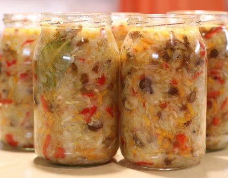 Sałatka z białej kapusty i grzybów
