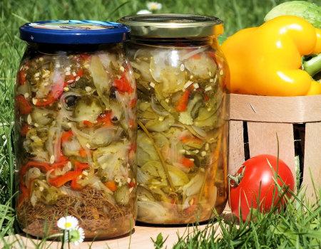 Sałatka z zielonych pomidorów i ogórków