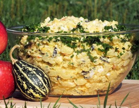 Sałatka ziemniaczana z oliwkami do potraw z grilla