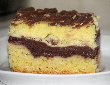 Sernik z budyniem czekoladowym