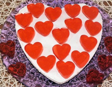 Śmietankowe serce na herbatnikowym spodzie