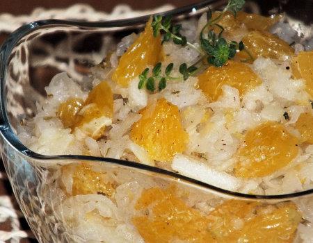 Surówka z białej rzodkwi, pomarańczy i jabłka