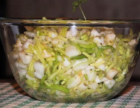 Surówka z pora, jabłka i gruszki