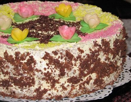 Tort kakaowy z masą chałwową