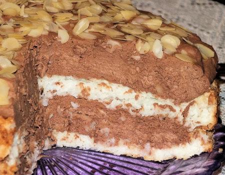 Tort kokosowy z śmietankowo-czekoladową masą
