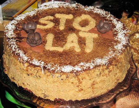 Tort orzechowo-kawowy z nutką miodu