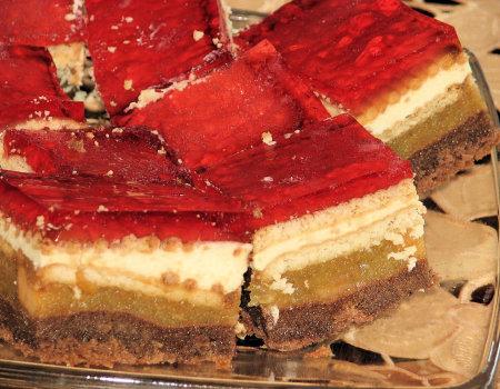Warstwowe ciasto na wakacje