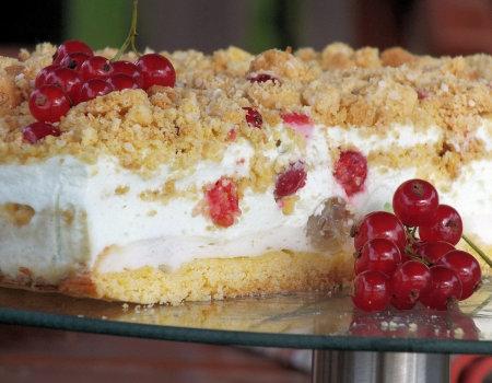 Warstwowe kruche ciasto z agrestem i czerwoną porzeczką