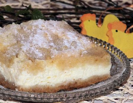 Wielkanocny mięciutki sernik na krucho-chałwowym spodzie