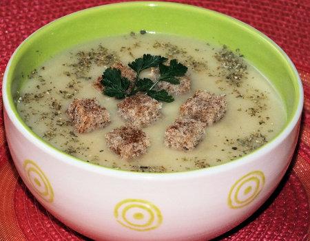 Zupa kalafiorowa krem z grzybowym akcentem