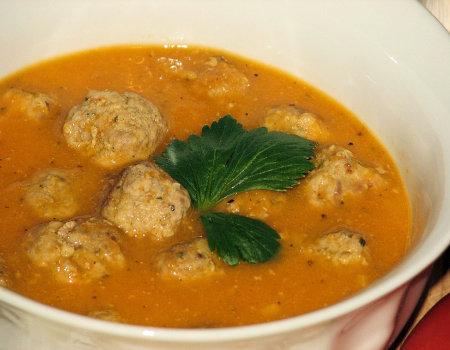 Zupa pomidorowa krem z czosnkowymi pulpecikami