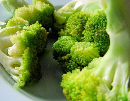 Aby brokuły zachowały jędrność...