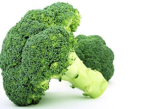 Aby brokuły zachowały swój intensywny zielony kolor...