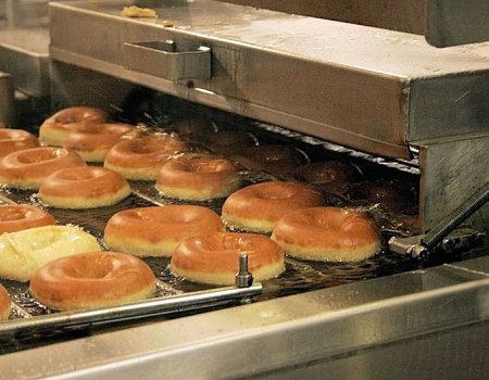 Co zrobić gdy temperatura oleju, w którym chcemy piec pączki jest za wysoka?