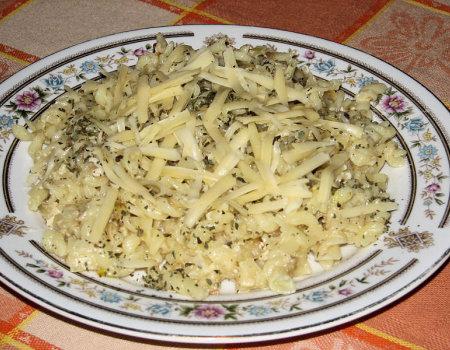 Czosnkowy makaron z serem