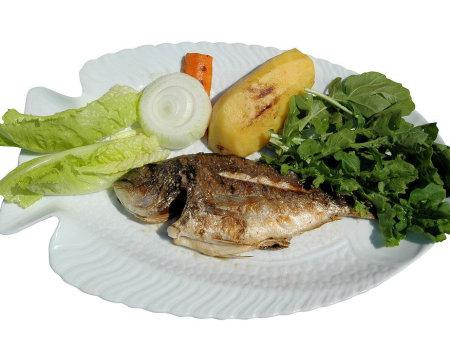 Gotowane ryby będą wydzielały mniej przykrego zapachu...