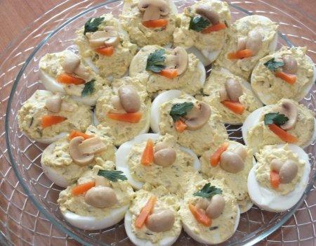 Jajka faszerowane pieczarkowym farszem