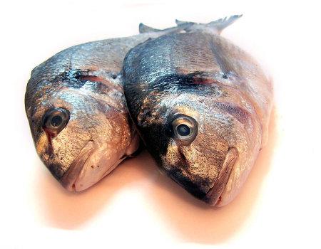 Jak pozbyć się za zapachu świeżej ryby?