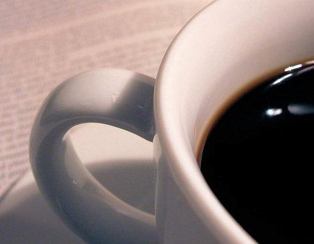 Ja usunąć plamę z kawy na obrusie?