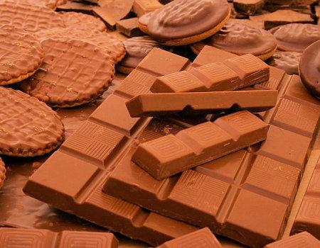 Jak usunąć plamy po czekoladzie?