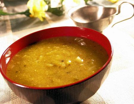 Jakie zupy można zrobić na rosole, który nam został z niedzieli?