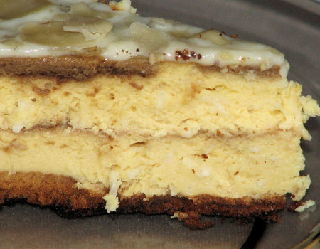 Kokosowo-kawowy sernik w białej polewie