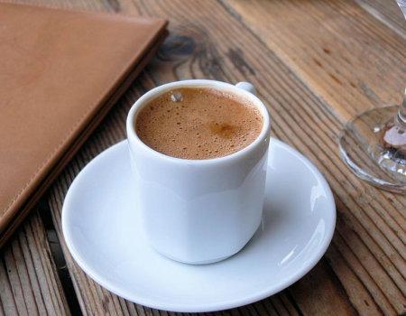 Najlepsza do zaparzania kawy jest...
