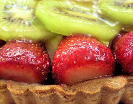 Odwieczny problem - kruche ciasto i owoce...