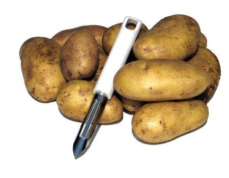 Przy obieraniu młodych ziemniaków ręce nie sczernieją, jeśli...