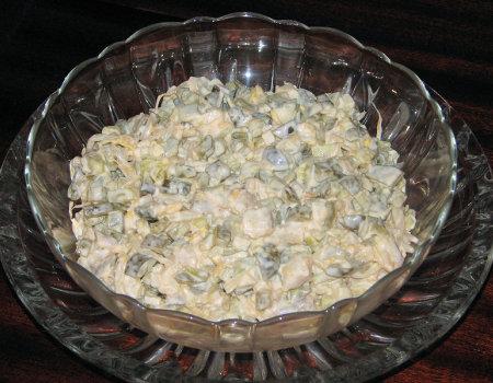 Śledziowa sałatka z kiełkami soi