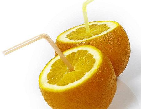 Jak wycisnąć więcej soku z cytryny?